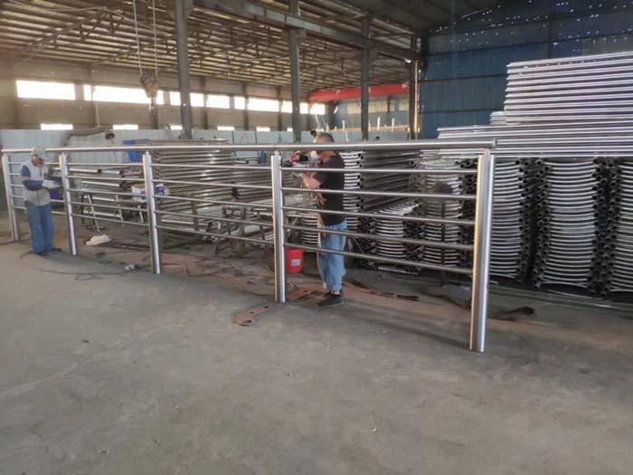 工程案例护栏